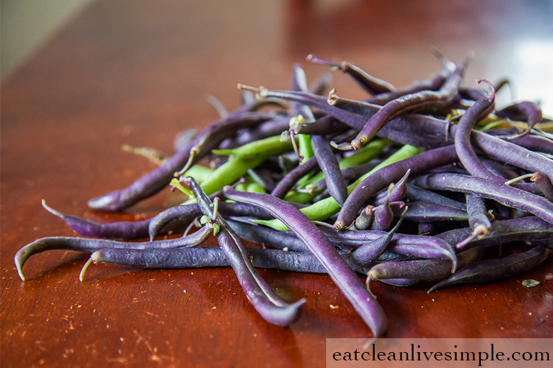 Roasted Garlic Green Beans - www.eatcleanlivesimple.com